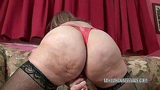 Mature slut Sandie Marquez stuffs her pussy fucking with a toy