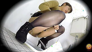 Very powerful pissing
